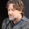 Russell Crowe en el papel de Jor-El