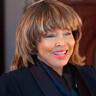 Tina Turner en el papel de Tina Turner