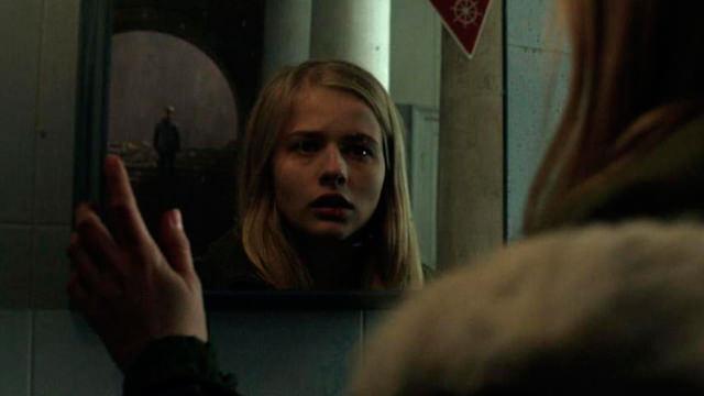 Observándose en el Espejo
