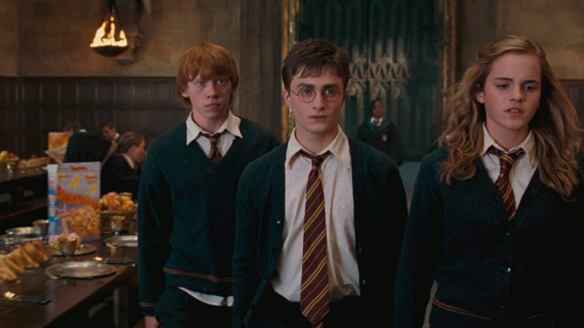 Caminando por el Comedor de Hogwarts