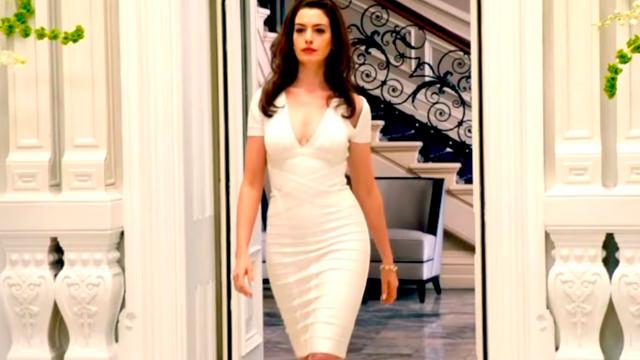 Con su Vestido Blanco