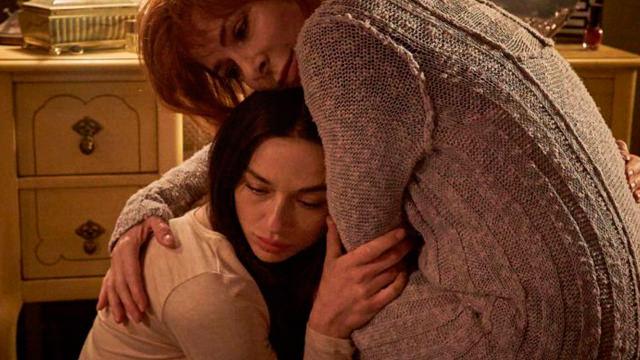 Abrazando a su Hija