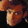 Jude Law en el papel de Alfie