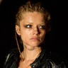 Lara Peake en el papel de Danni