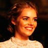 Samara Weaving en el papel de Grace