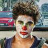 Benny Emmanuel en el papel de Cagalera