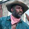 Idris Elba en el papel de Harp