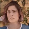 Carly Pope en el papel de Carly