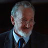 Robert Englund en el papel de Dr. Goodberry