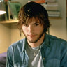 Ashton Kutcher en el papel de Evan