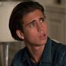 Tanner Buchanan en el papel de Cameron Kweller