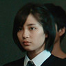 Suzu Hirose en el papel de Sakie Yamanaka