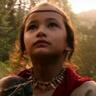 Kaylee Hottle en el papel de Jia