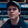 Gus Harper en el papel de Blaze