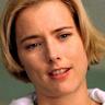 Téa Leoni en el papel de Kate Reynolds