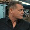 Holt McCallany en el papel de Bullet