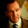 Ralph Fiennes en el papel de Duke de Oxford