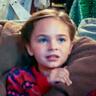 Ryan Kiera Armstrong en el papel de Muri Forester (joven)