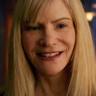 Jennifer Jason Leigh en el papel de Jennifer Jason Leigh