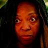 Tina Lifford en el papel de Della