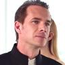 James D'Arcy en el papel de Julian