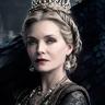 Michelle Pfeiffer en el papel de Reina Ingrith