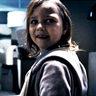 Isabelle Nélisse en el papel de Lilly