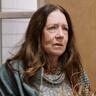 Ann Dowd en el papel de Linda