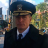 Woody Harrelson en el papel de Almirante Chester Nimitz