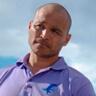 Jimmy Gonzales en el papel de Omar