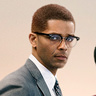 Kingsley Ben-Adir en el papel de Malcolm X