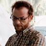 Malik Zidi en el papel de Léo Ferguson
