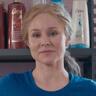 Kristen Bell en el papel de Connie Kaminski