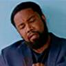 Michael Jai White en el papel de Sparks