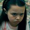 Violet McGraw en el papel de Jenny Vahn
