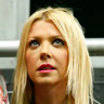 Tara Reid en el papel de April Wexler
