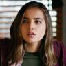 Isabela Merced en el papel de Rachel Cooper
