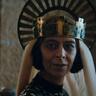 Sarita Choudhury en el papel de Madre / Morgan Le Fay