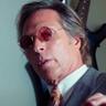 William Fichtner en el papel de Donny Rumson