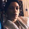 Rosario Dawson en el papel de Mary Boone