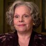Maryann Plunkett en el papel de Joanne Rogers