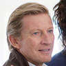 David Wenham en el papel de John Brierley