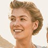 Rosamund Pike en el papel de Ruth Williams