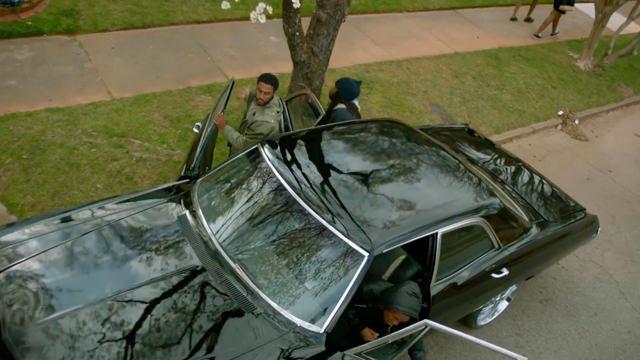 Bajando del Automóvil