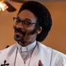 Snoop Dogg en el papel de Pastor Swift