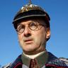 Richard Topol en el papel de Fritz Haber