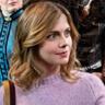 Rose McIver en el papel de Samantha