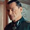 Stefan Weinert en el papel de Otto Bachmann