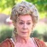 Fiorella Faltoyano en el papel de Doña Mercedes