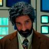 Tony Hale en el papel de Sr. Benedict